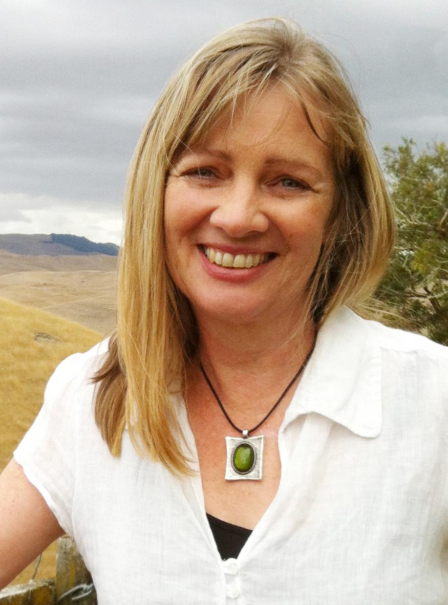 anna mackenzie author pic col 3 2015